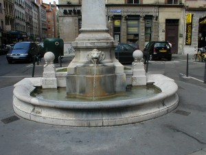 Place Saint-Nizier (fontaine)