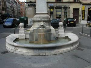 Place Saint-Nizier (fontaine)