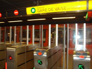 Départ du métro
