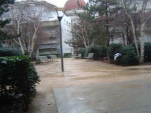 jour de pluie dans le square