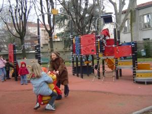 les enfants qui jouent